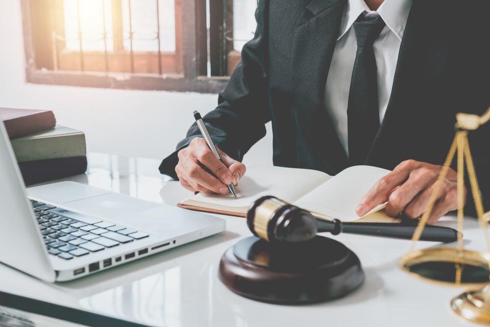 lawyer for civil litigation